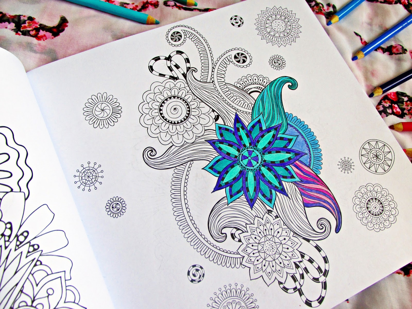 Colouring adults benefits - I M Not The Only Adult Who Has Realised The Benefits Of Colouring Millions Of Adults All Around The World Have Returned To The Fun Childhood Pastime For