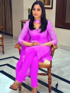 Salwar In Choot http://spicyaunties.blogspot.com/2013/04/desi-girls ...