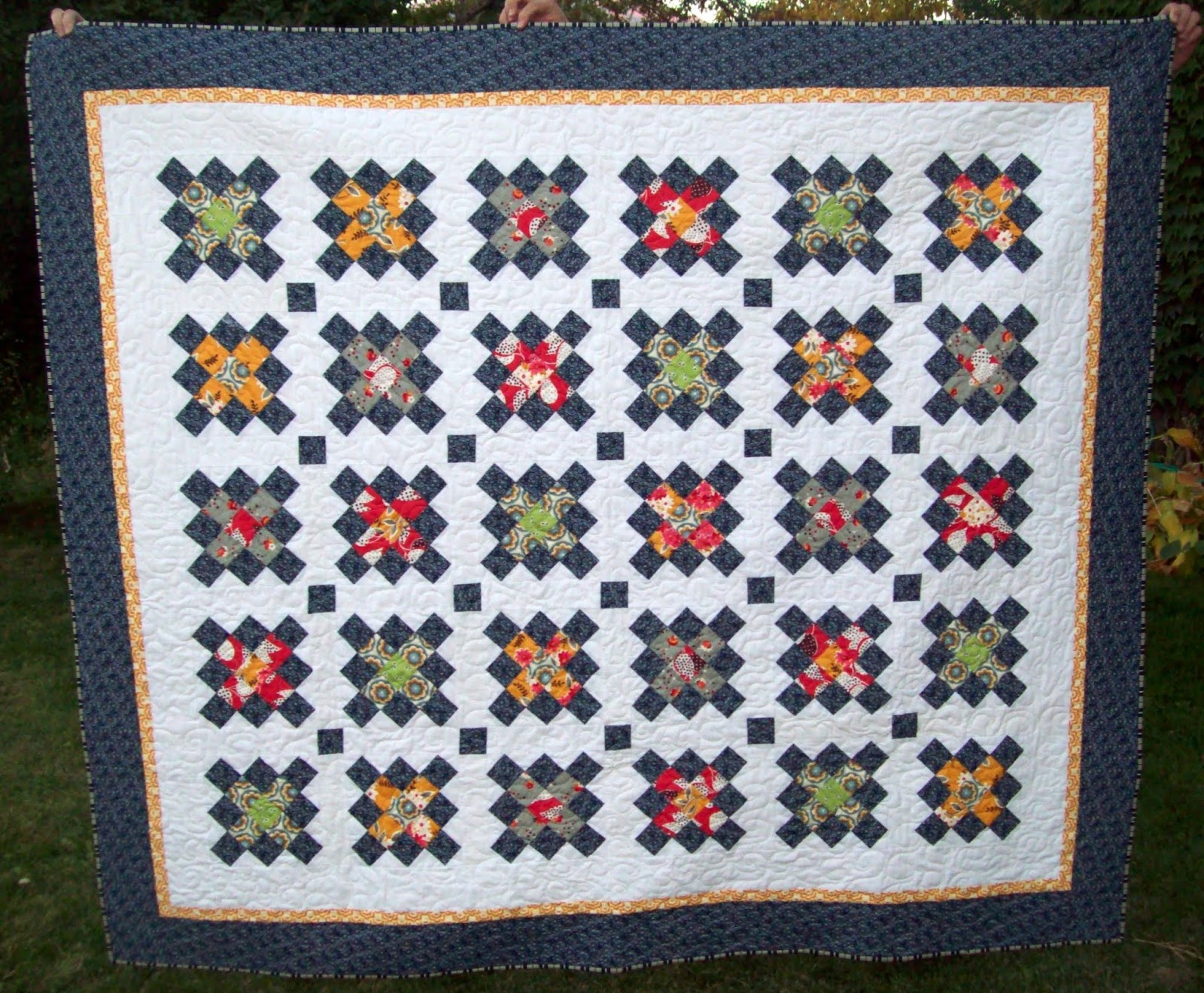 My quilt diet aly 39 s living room quilt is finished for Living room quilt