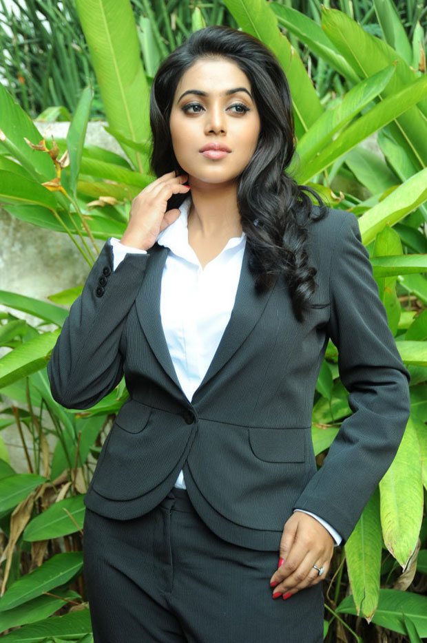 Poorna hot and spicy pics