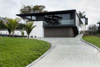 fachada color blanco y negro