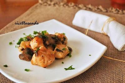 Bocconcini di pollo e funghi al cartoccio ricetta dietetica
