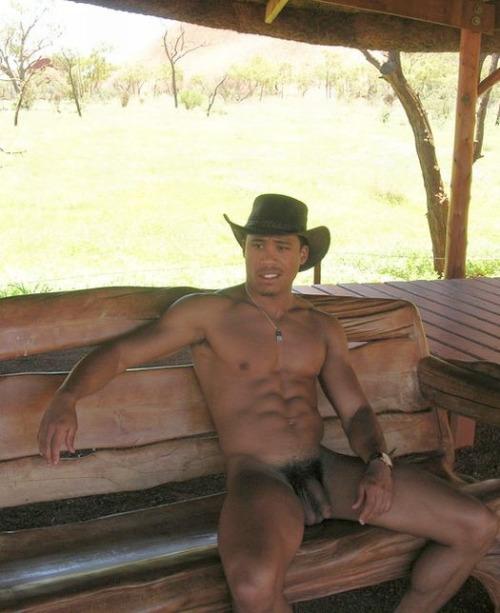 Machos pelados ao ar livre