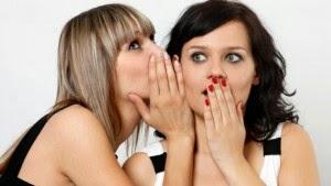 4 Cara Menyikapi Gosip Tentang Orang yang Menusuk Anda dari Belakang
