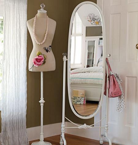 Usamos los maniqu es para decorar decorar tu casa es - Percheros para collares ...