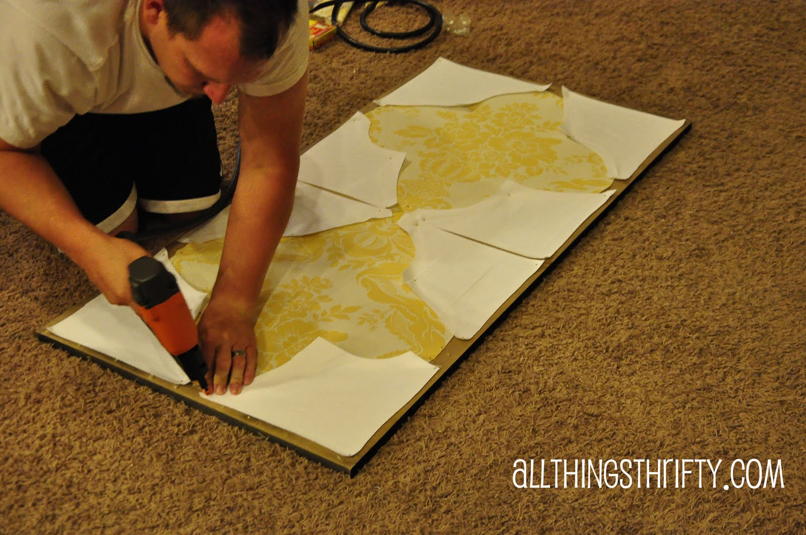 Tutorial: Quatrefoil DIY Decorative Wall Art | All Things Thrifty
