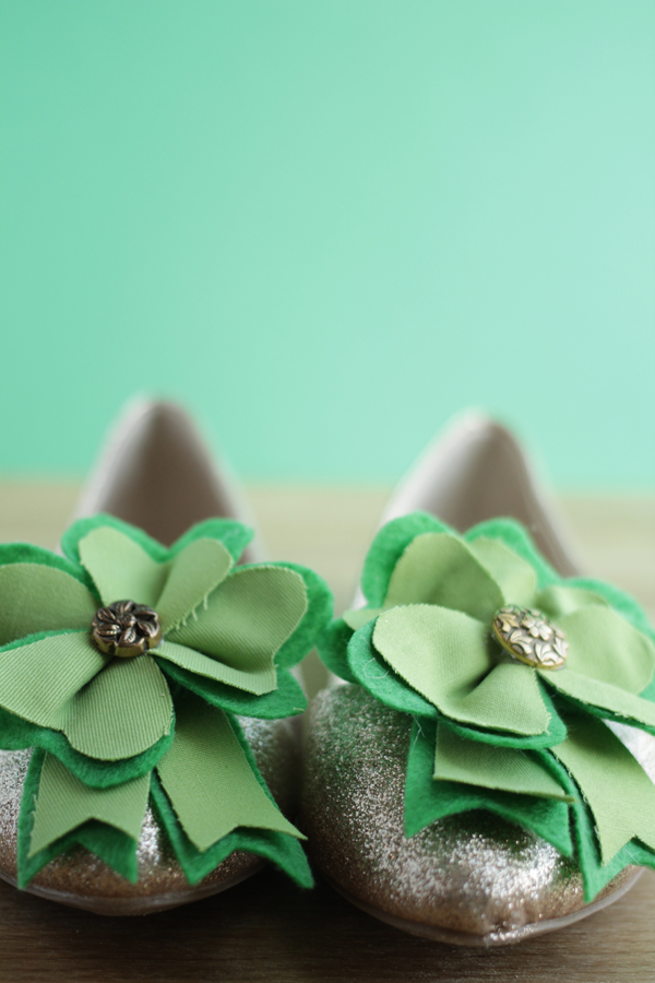 How to make removable shamrock shoe clips
