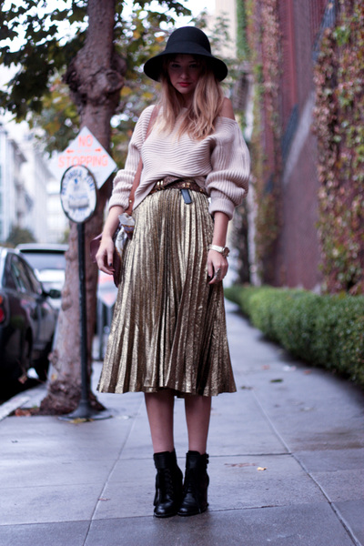 Skirt Fashion Trends on Fashion Trend  The Pleated Skirt   Fashiondrip