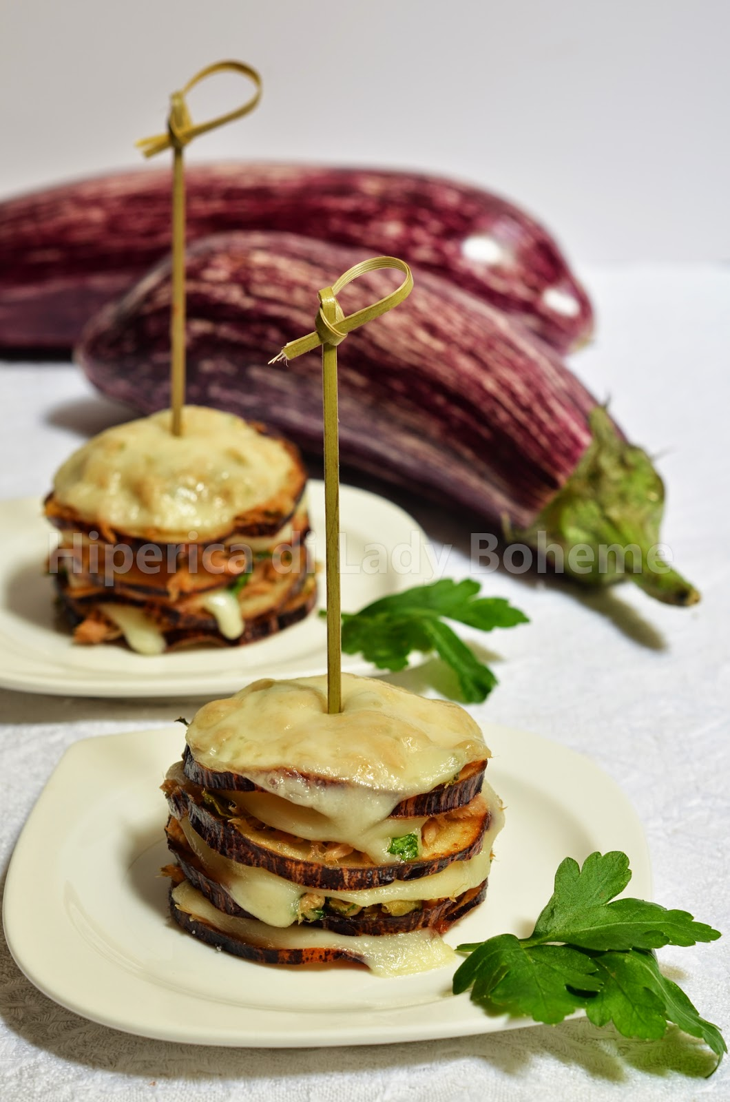 hiperica_lady_boheme_blog_cucina_ricette_gustose_facili_veloci_torrette_di_melanzane_con_tonno_1