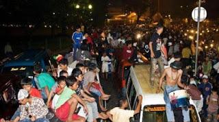 6 Tradisi Unik Orang Indonesia Menyambut Malam Tahun Baru