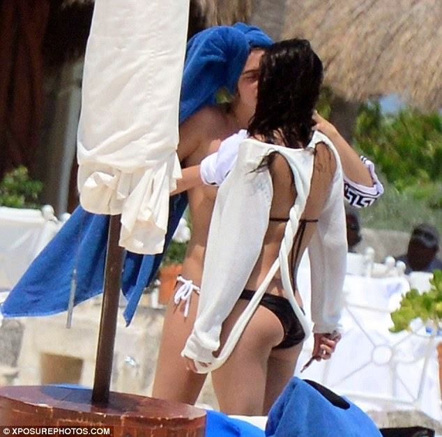 michelle rodriguez lesbian kiss