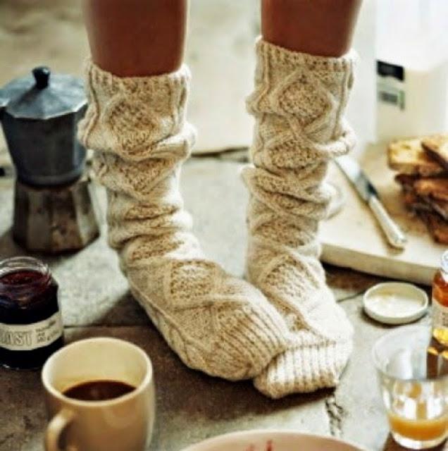 http://1.bp.blogspot.com/-XXglPfk4VfE/VEzn8iSNU3I/AAAAAAAAA7U/mHnIpNole5g/s640/socks.jpg