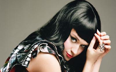Katy-Perry-Wide-Awake-Lyric-Video