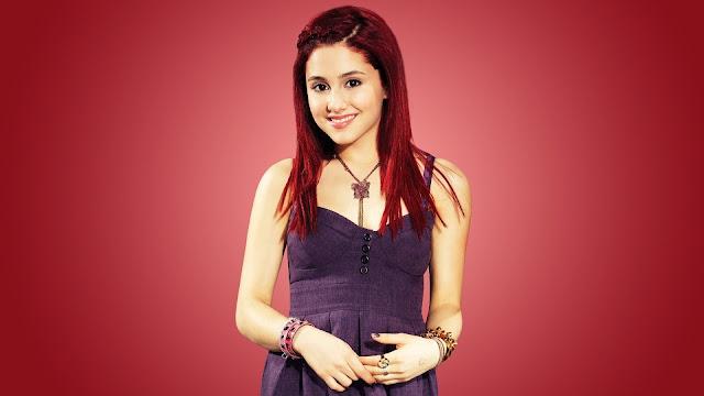 Ariana Grande cabello rojo