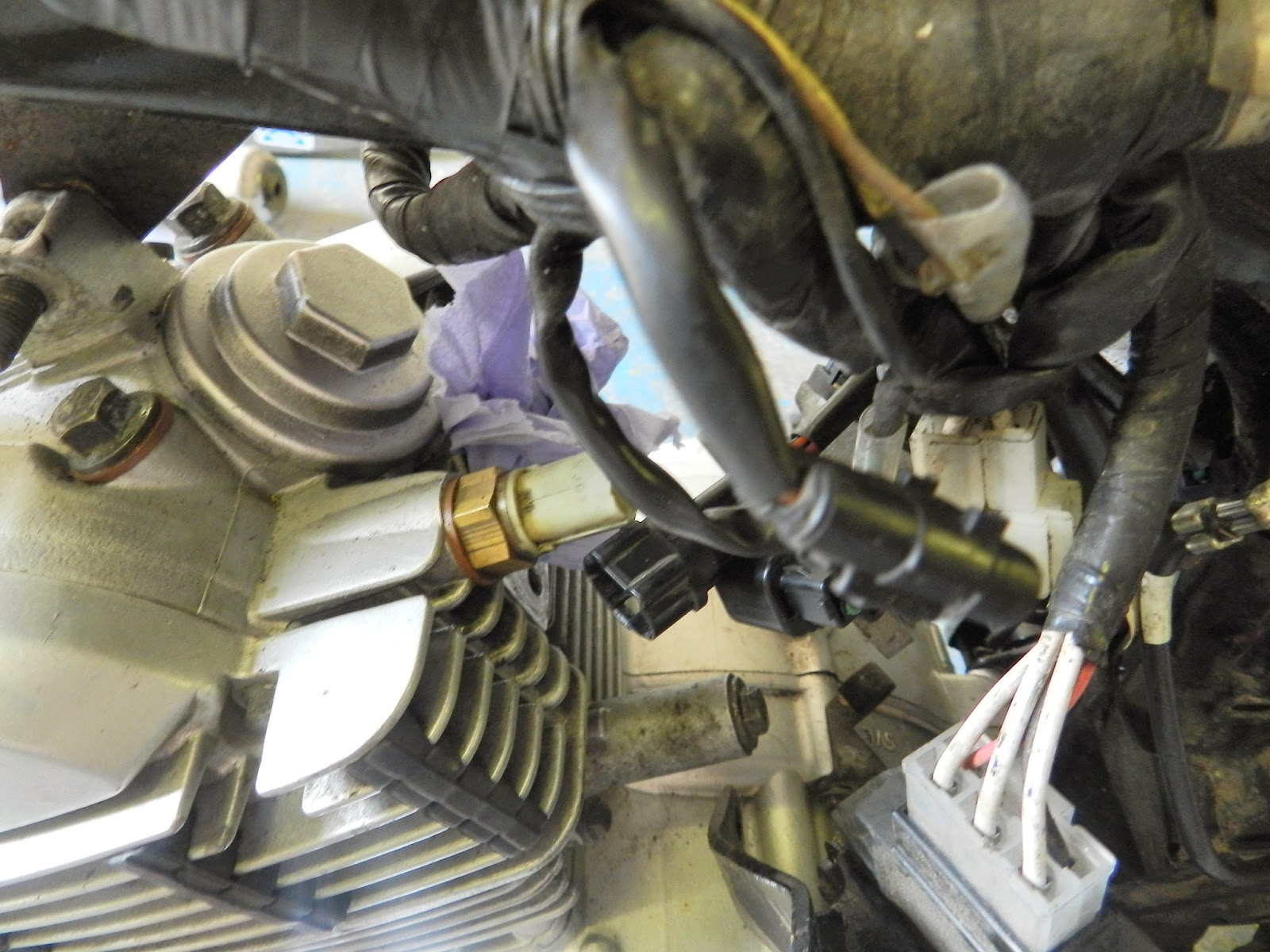 Yamaha YBR 125 Owner Blog : Yamaha YBR 125 Engine removal
