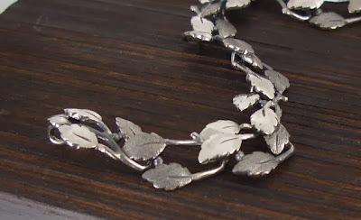龍鱗鳳羽 葉片