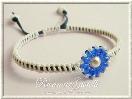 Bracciale in macramè con twin beads e perla 6 mm