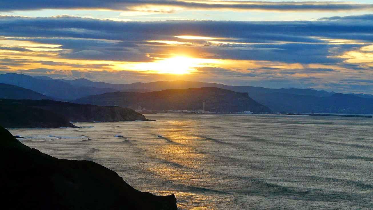 puesta de sol de sopelana desde menakoz