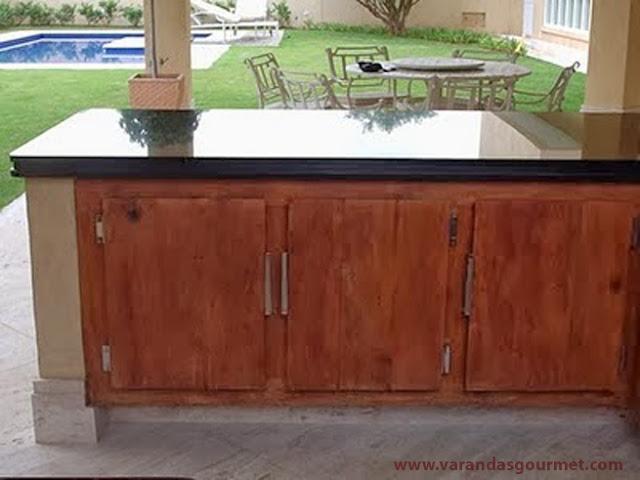 Balcão refrigerado 3 portas em madeira de demolição
