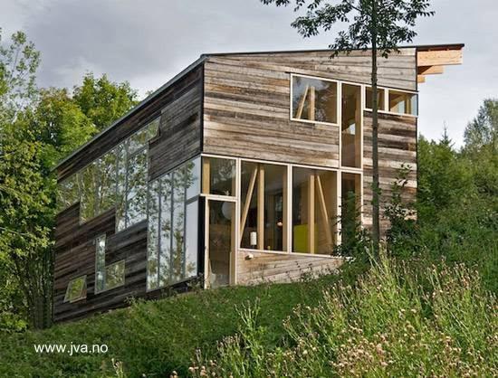 Casa de madera noruega tradicional y moderna