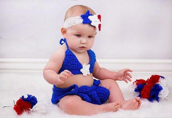 Image bébé fille mignonne avec bikini