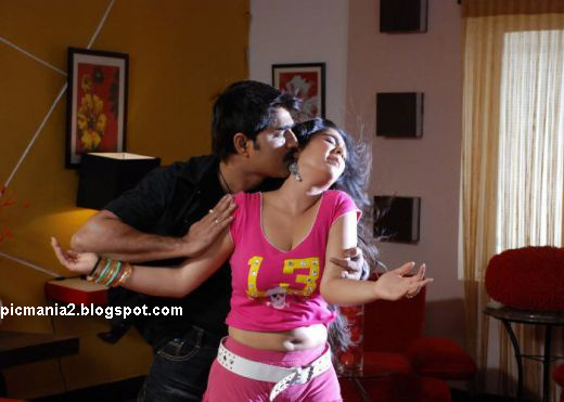 telugu actress charmi latest hot and sexy kiss scene