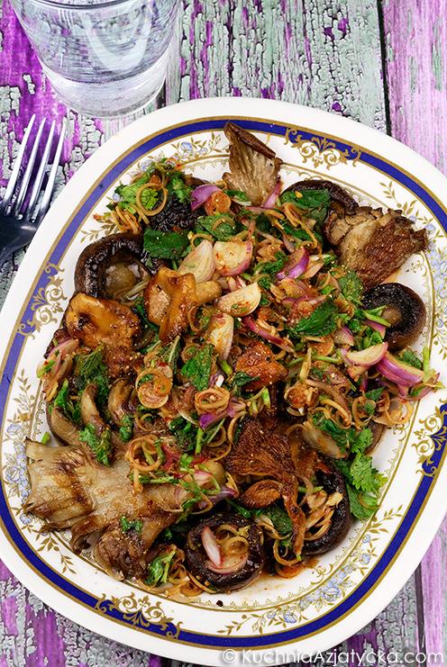 Sałatka z grzybów © KuchniaAzjatycka.com