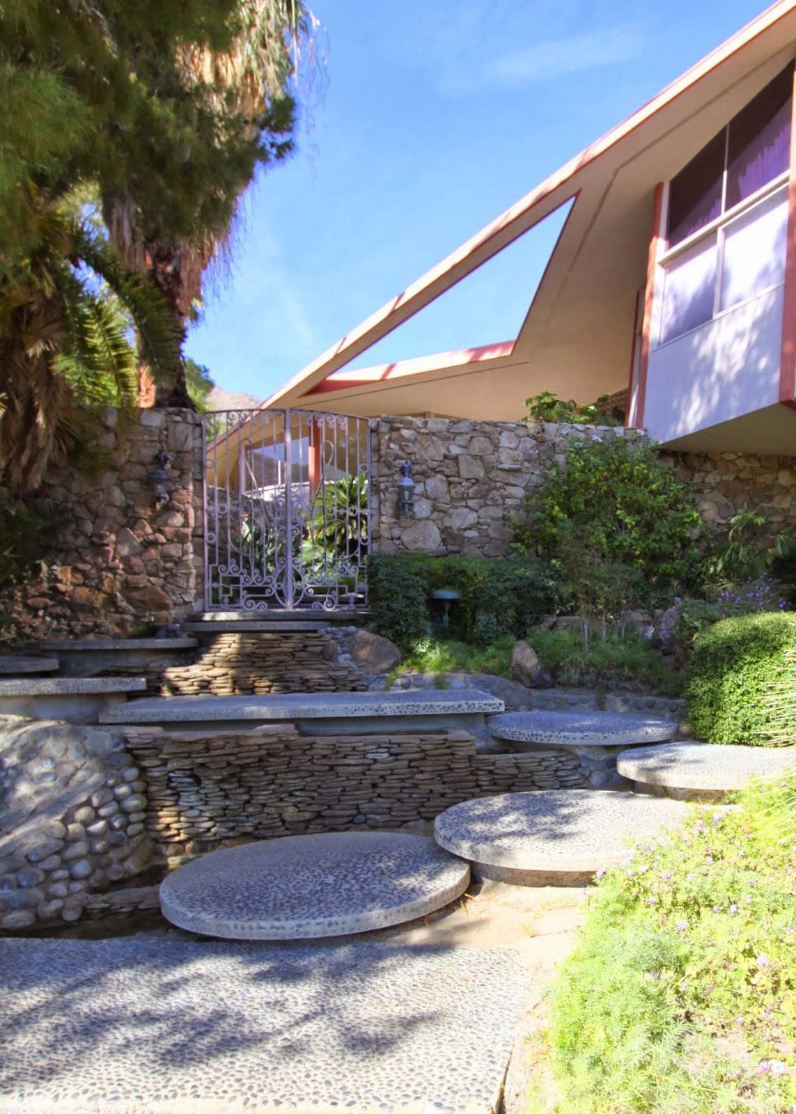 Walking Tour, Vista Las Palmas, Palm Springs, Modernism Week 2014, Elvis Presley Honeymoon Hideaway
