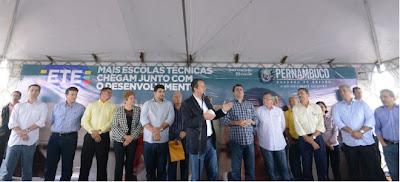 Governador dá início à construção de ETE e inaugura Academia das Cidades em Buíque