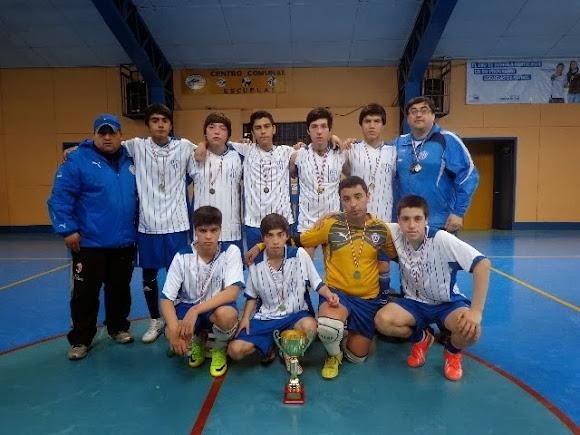 Puerto Natales: Atenas doble campeón.