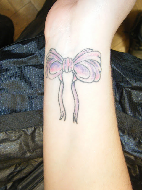 Elblogdelosoteddy bow tattoos meaning for Bow tattoos meaning