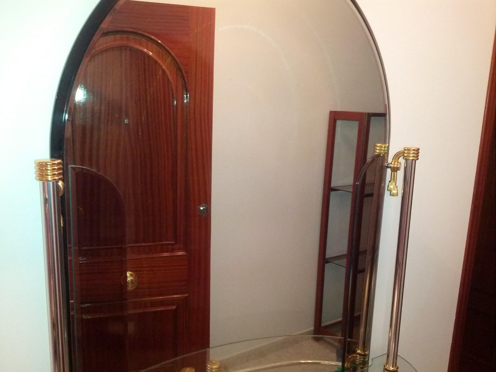 Mueble recibidor de espejo chollos de segunda mano for Espejo segunda mano