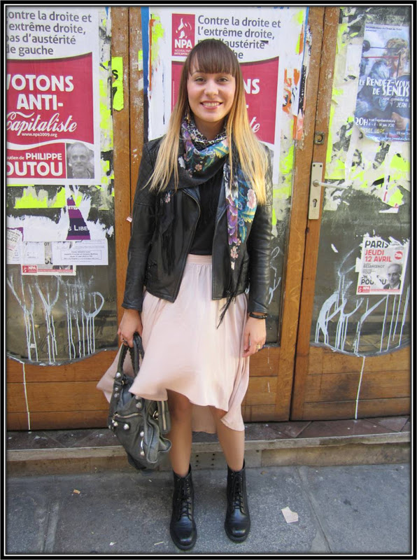 jupe new Look, perfecto The Kooples, sac Balenciaga, foulard H&M, style de la semaine