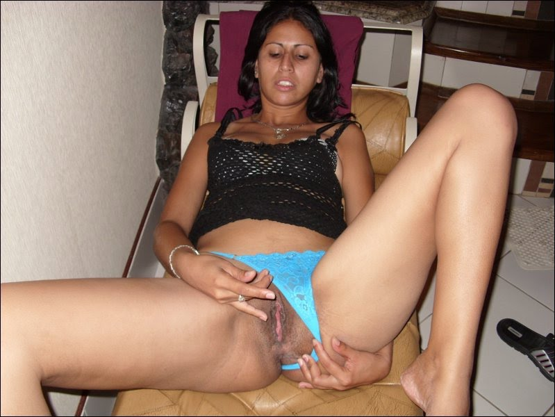 Paki slut wants white cock