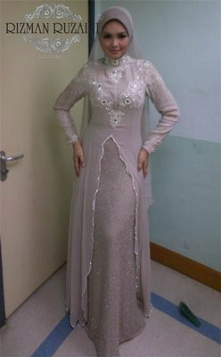 Hello Kitty : The Hello Kitty Bride Says: +: :: Jubah Pengantin