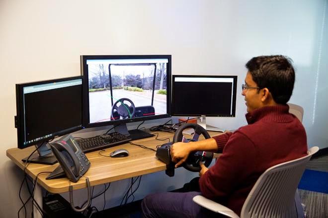 فورد تعمل على جهاز تحكم عن بعد لقيادة سيارتك من منزلك
