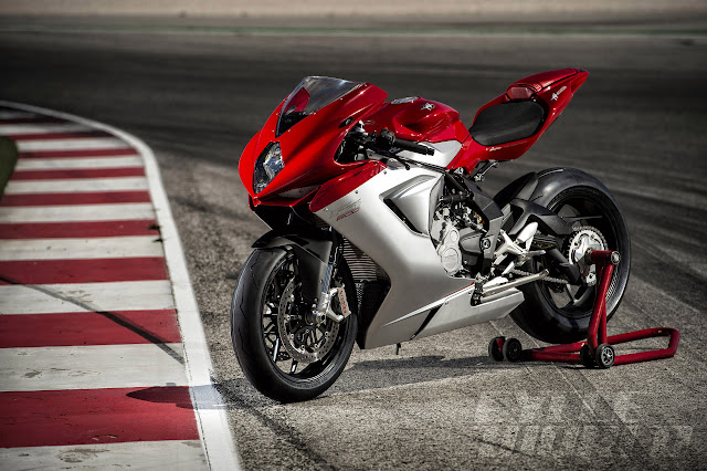 2014 MV Agusta F3 800 Red Silver 34 front L