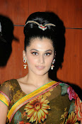 taapsee glam pics in saree-thumbnail-14