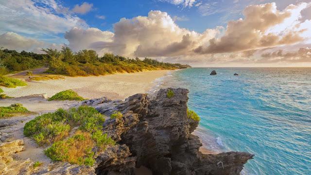 Warwick Long Bay, Bermuda (© SIME/eStock Photo) 704