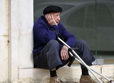 Países da UE levam adiante mudanças nas regras para aposentadorias