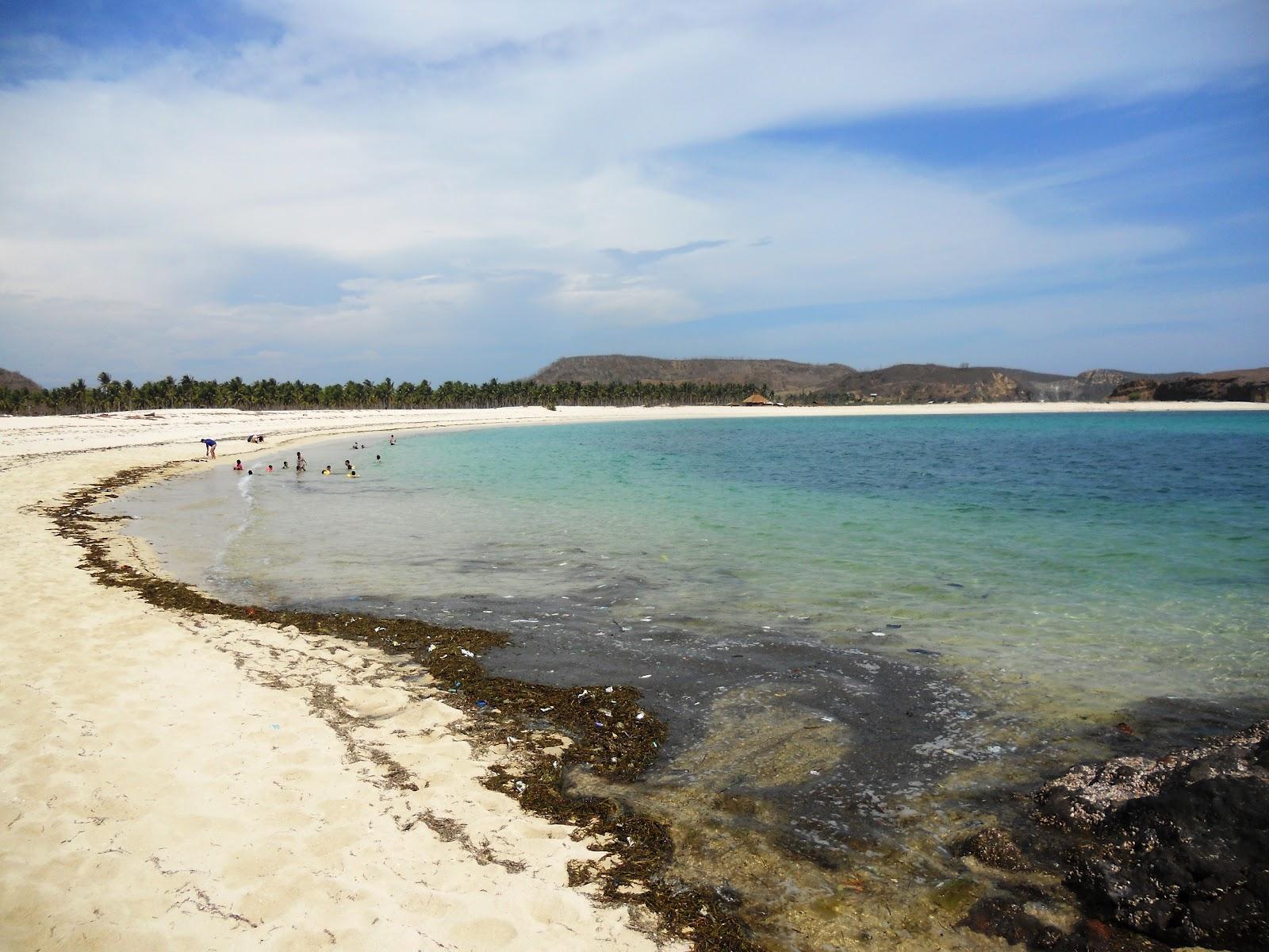 Intip Pantai Aan Loteng, Si Pasir Merica