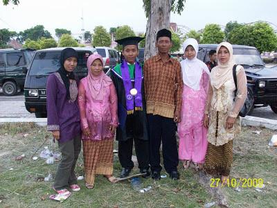 Memori wisuda IKIP PGRI Semarang tahun 2009