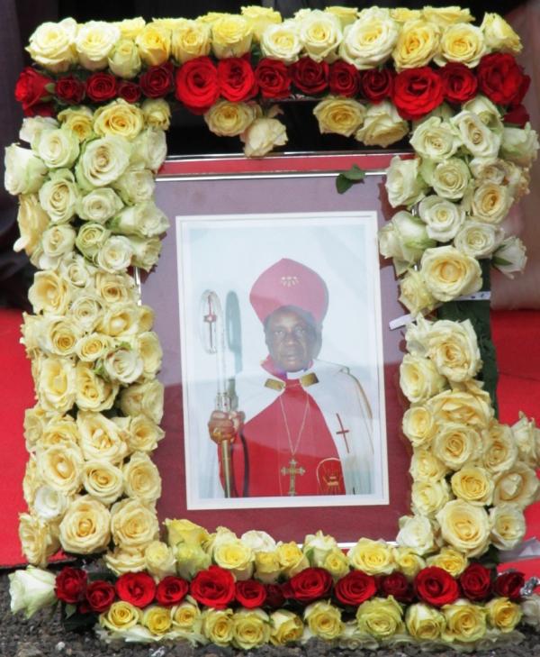 Selian,Jijini Arusha,likionekana nje ya Kanisa la KKKT jijini Arusha