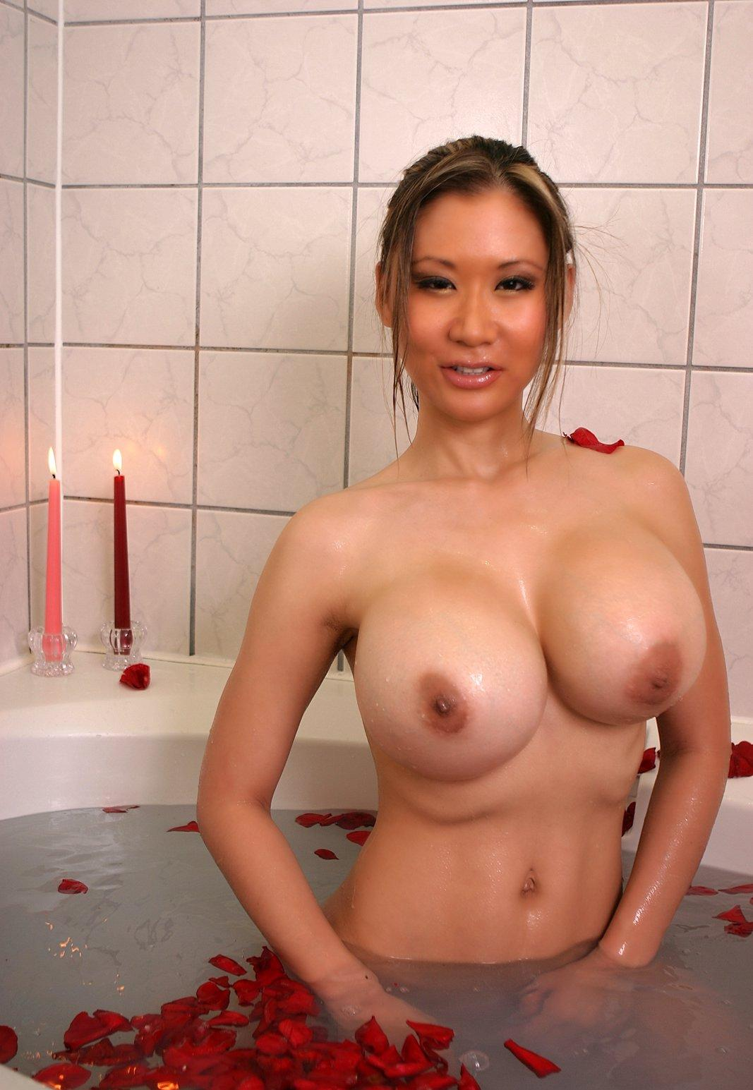 Busty singaporean banker nude pussy pics 579