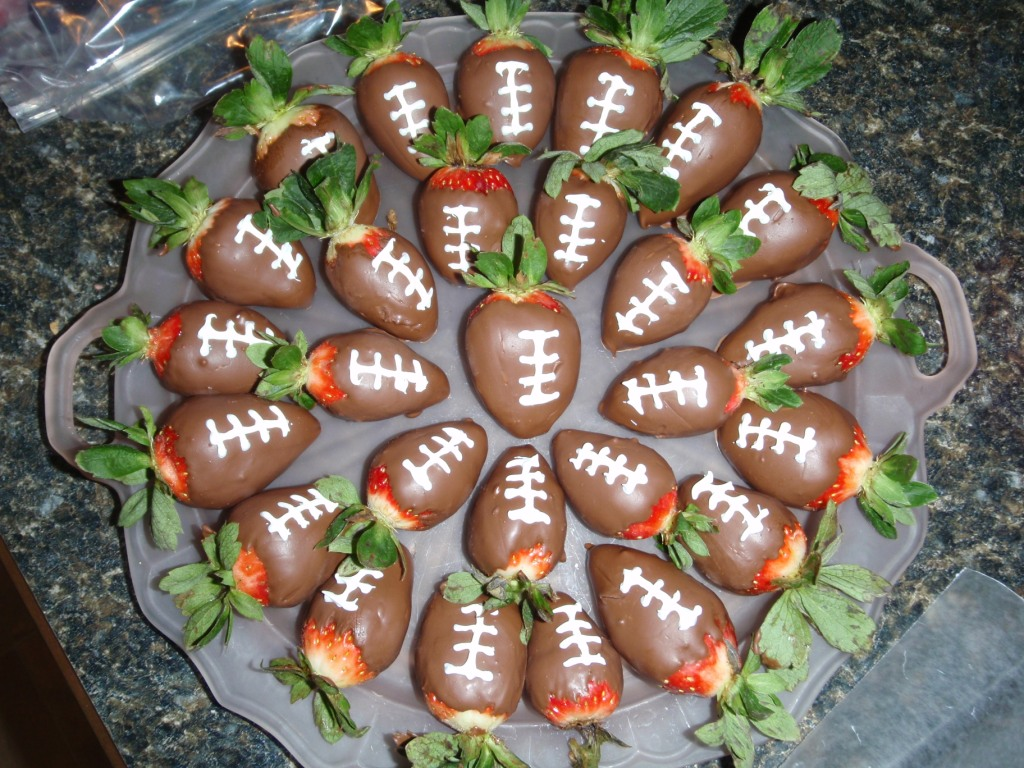 ... Creations by Mackenzie: Chocolate Covered Strawberry Footballs
