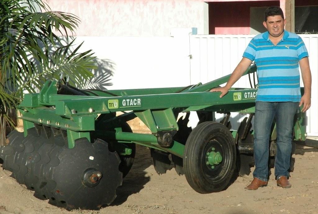 Prefeitura de São João do Tigre adquire equipamentos agrícolas