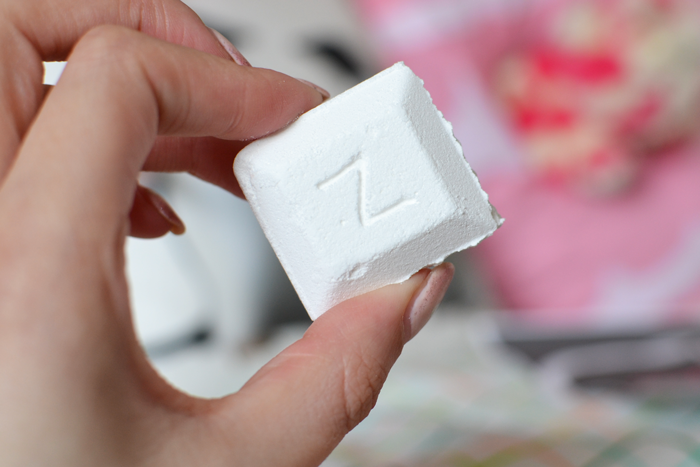 Zoella Fizz Bar Review | Colours and Carousels - Scottish Lifestyle, Fashion & Beauty blog