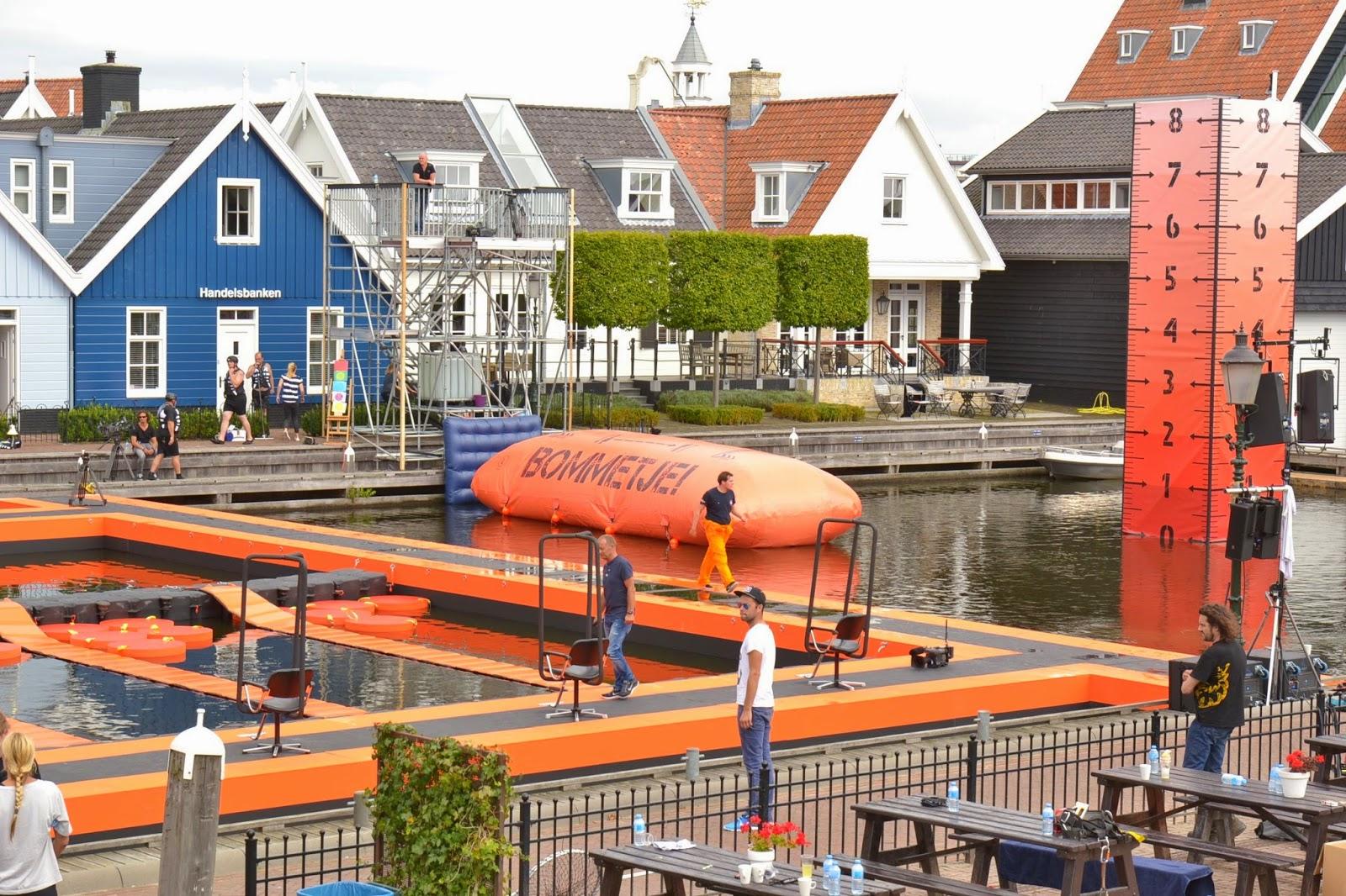 Haven Van Huizen : Bommetje in de haven van huizen