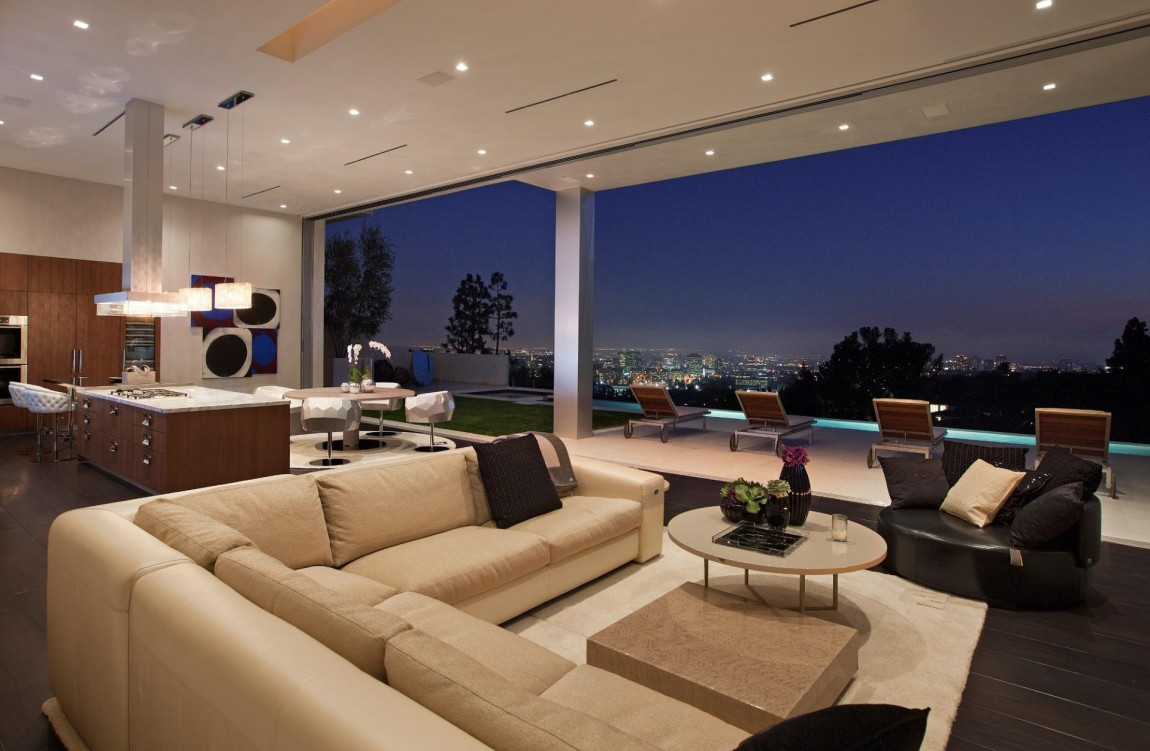 Large modern home with lovely city views bel air los for Modern house view