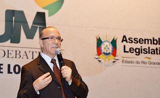 Ministro Eliseu Padilha reafirma a ampliação dos aeroportos regionais durante palestra na Assembleia Legislativa do RS